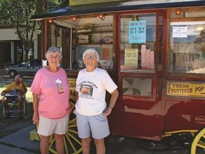 Pat-and-Ele-at-Popcorn-stand-300x225