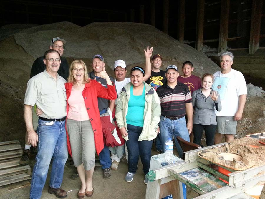 volunteers at Northfield Shares